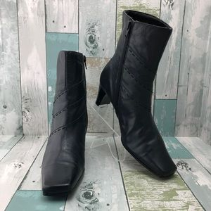 Villager Black Leather Ankle Boots Size 6